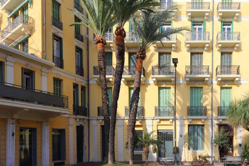Appartamento in vendita a Bordighera, 5 locali, prezzo € 1.100.000   CambioCasa.it