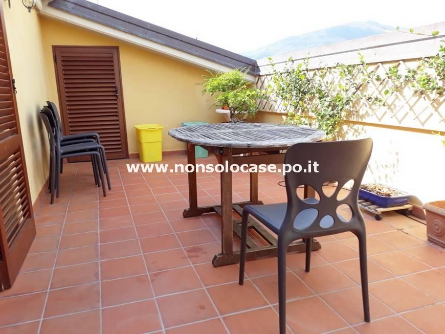 Appartamento in ottime condizioni parzialmente arredato in vendita Rif. 7889702