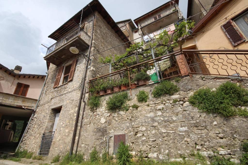 Casa Indipendente in buone condizioni arredato in vendita Rif. 7887810