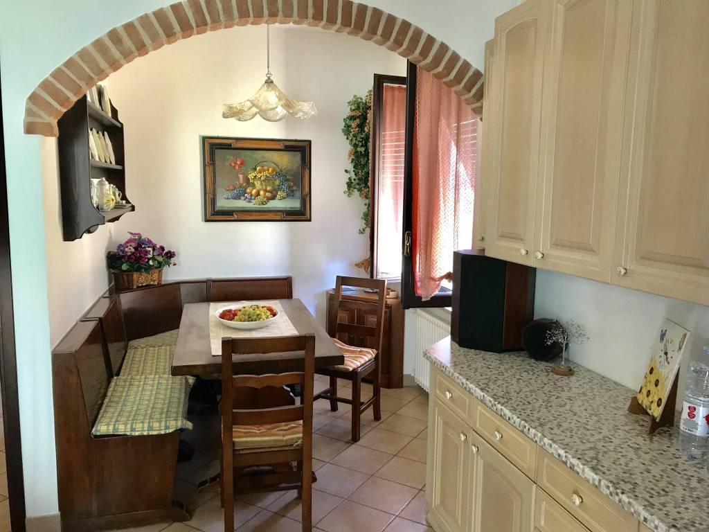 Appartamento in ottime condizioni in vendita Rif. 7892179