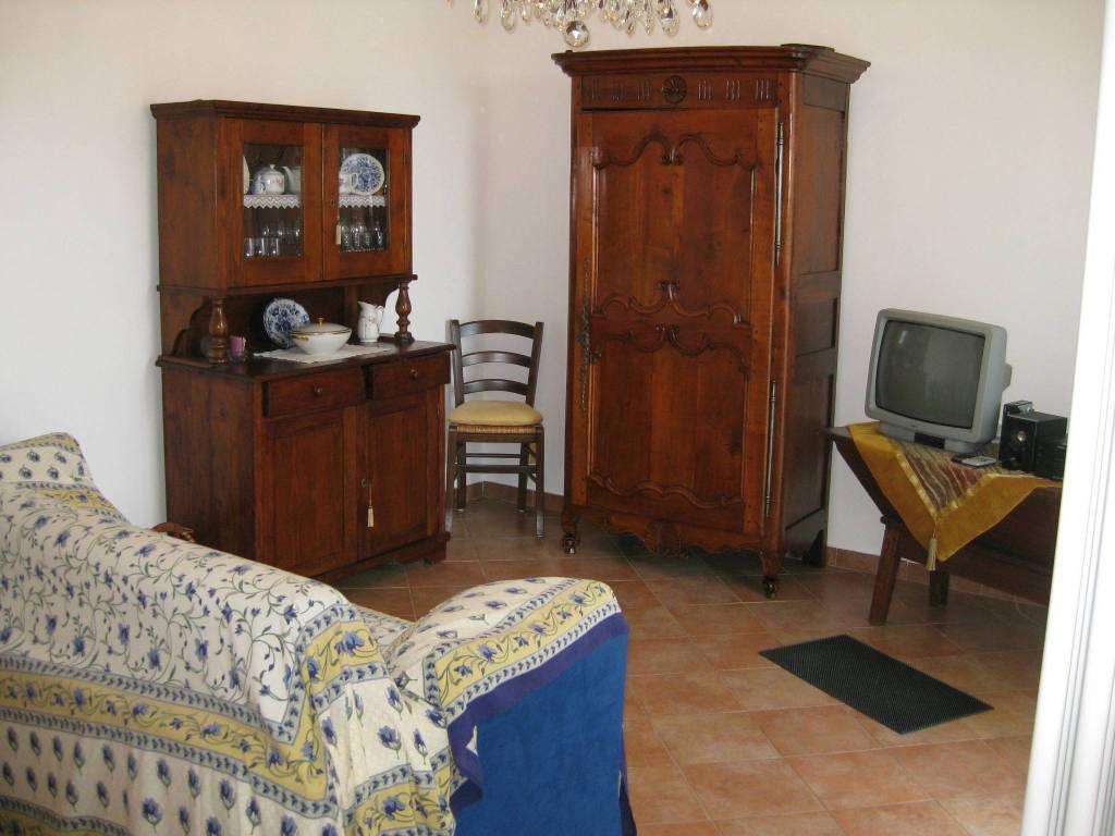 Appartamento in ottime condizioni parzialmente arredato in vendita Rif. 8505867