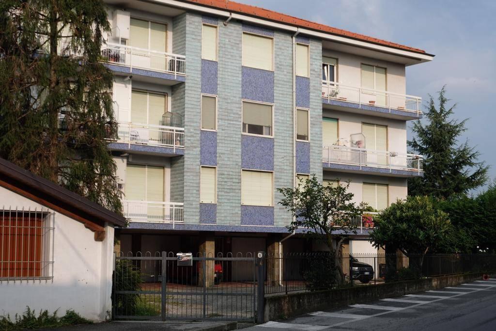 Appartamento in buone condizioni arredato in affitto Rif. 7888375