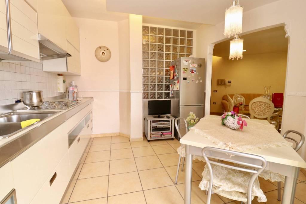 Appartamento in ottime condizioni in vendita Rif. 7887782