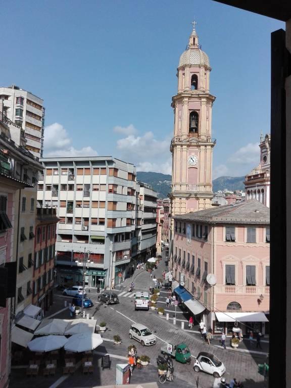 Piazza Cavour nel cuore di Rapallo