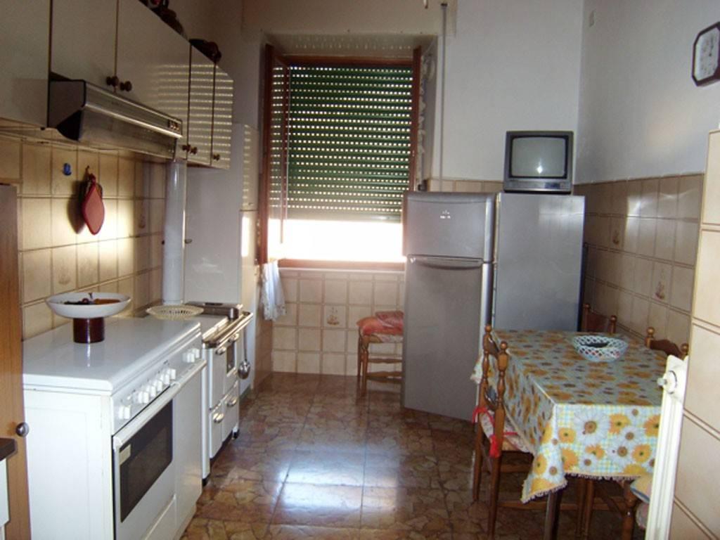 Appartamento in buone condizioni arredato in vendita Rif. 7888797