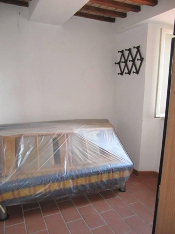Appartamento in buone condizioni parzialmente arredato in vendita Rif. 7888798
