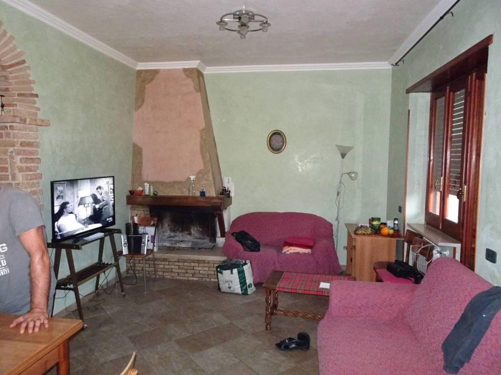 Appartamento in ottime condizioni in vendita Rif. 7892667