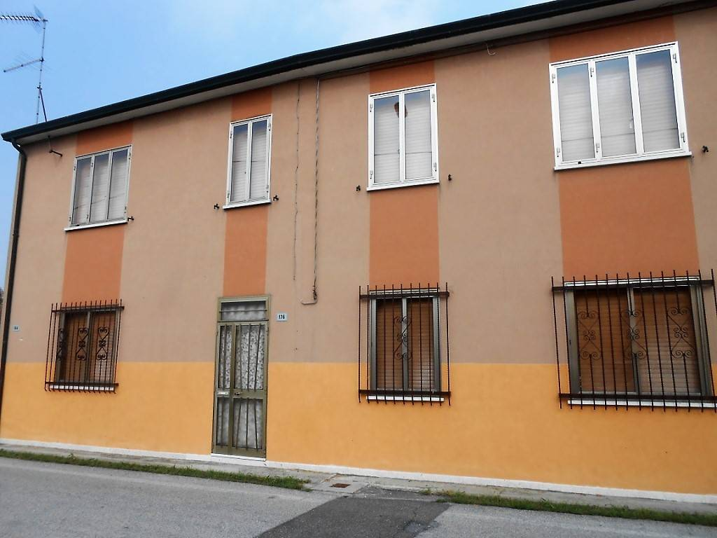 Villa in buone condizioni in vendita Rif. 7888085