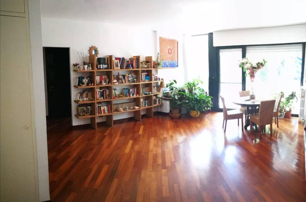 Appartamento in ottime condizioni in vendita Rif. 7893168