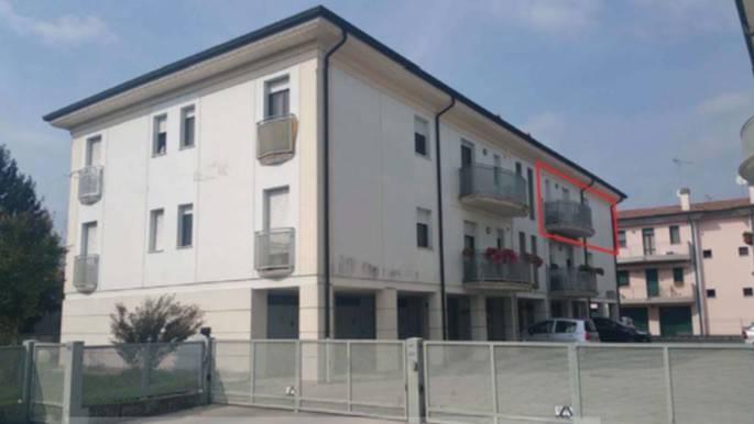 Appartamento in buone condizioni in vendita Rif. 7887993