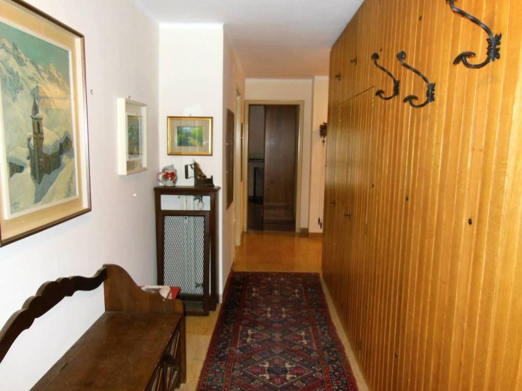 Appartamento da ristrutturare arredato in vendita Rif. 7889334
