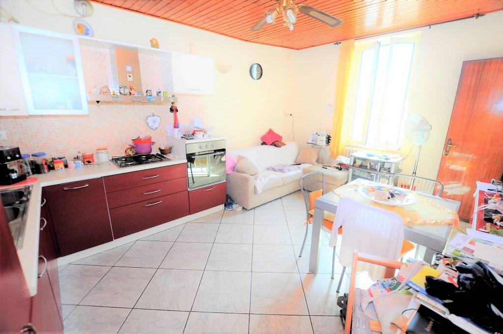 Appartamento in buone condizioni in vendita Rif. 7889841