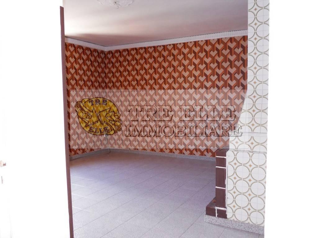 Appartamento in buone condizioni in affitto Rif. 7891696