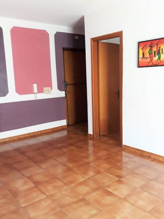 Appartamento in buone condizioni arredato in affitto Rif. 8066256