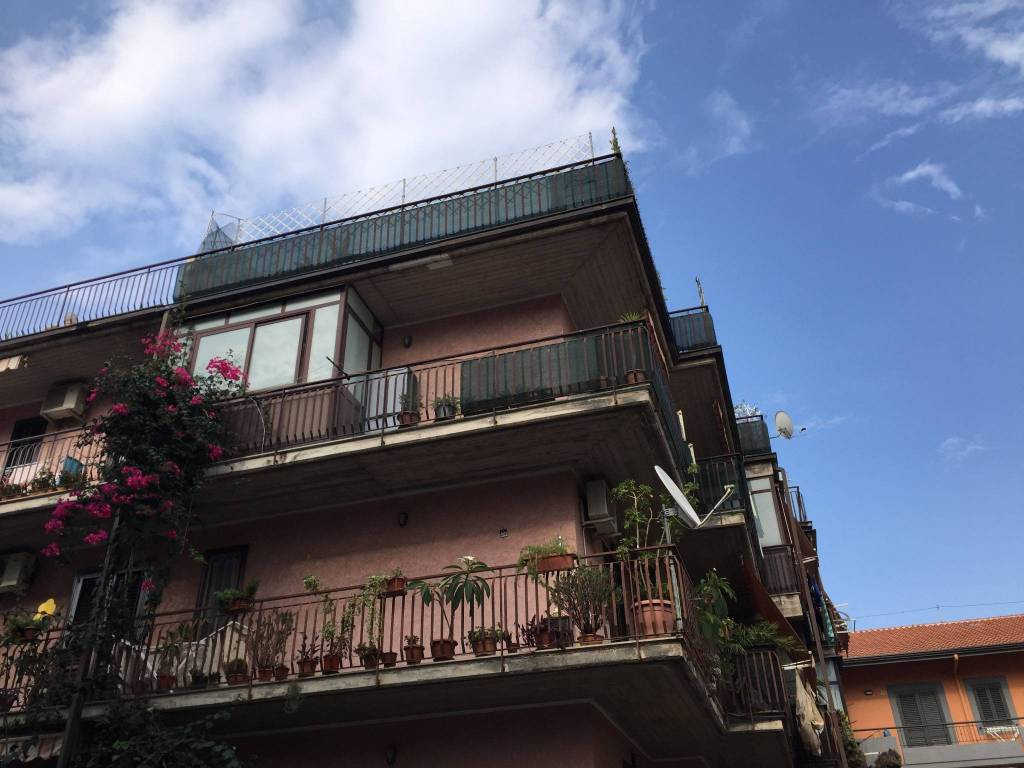 Appartamento in buone condizioni in vendita Rif. 7908537