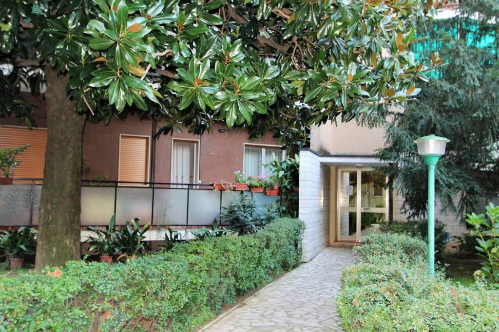 Appartamento da ristrutturare in vendita Rif. 8132743