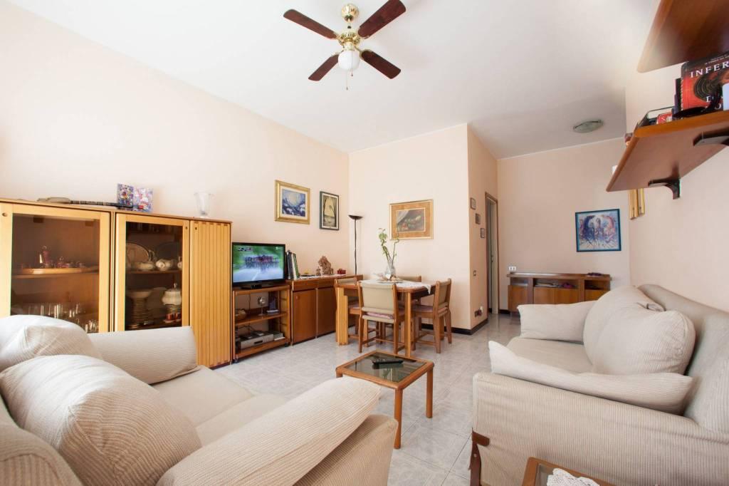 Appartamento in buone condizioni arredato in vendita Rif. 7890523