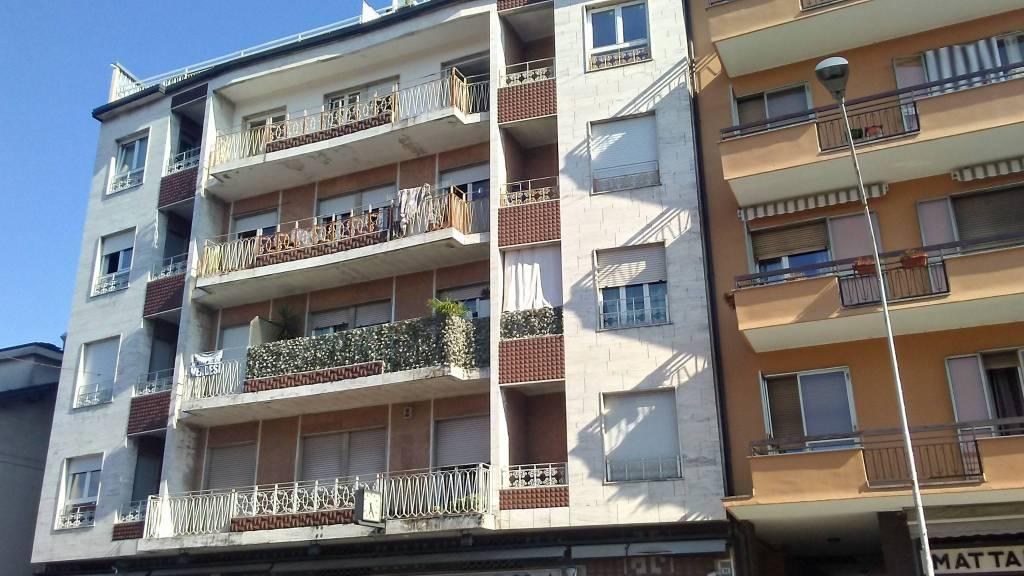 Appartamento in affitto a Besozzo, 2 locali, prezzo € 450 | CambioCasa.it