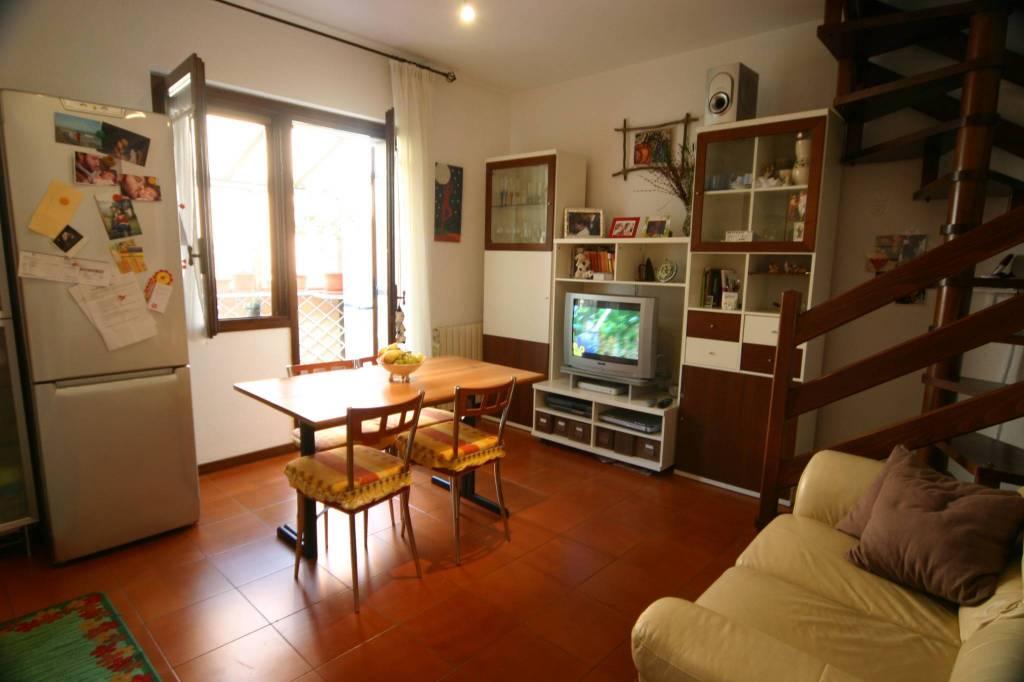 Appartamento in buone condizioni in vendita Rif. 7890522