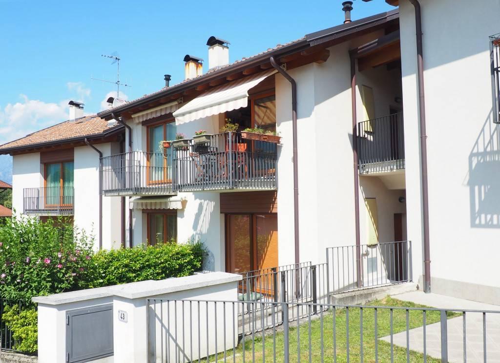 Appartamento in ottime condizioni arredato in vendita Rif. 7891296