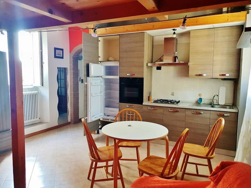 Appartamento in ottime condizioni in vendita Rif. 7889970