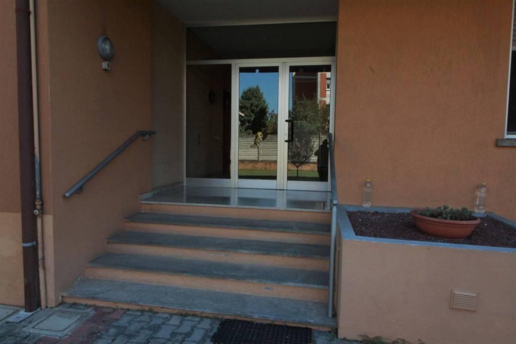 Appartamento in buone condizioni in vendita Rif. 7888024