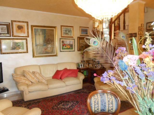 Appartamento in buone condizioni arredato in vendita Rif. 7888471