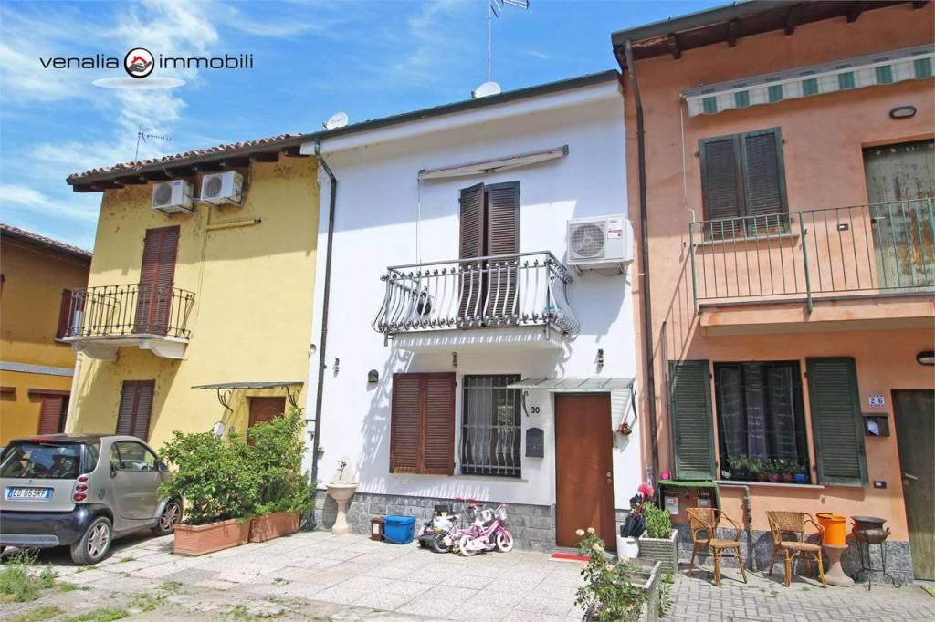 Appartamento in ottime condizioni in vendita Rif. 7910177