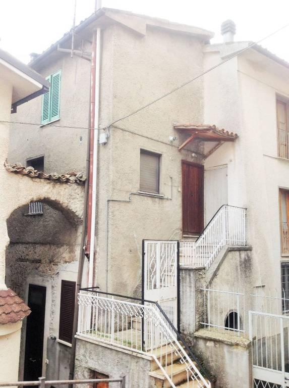 Appartamento in buone condizioni in vendita Rif. 7899304