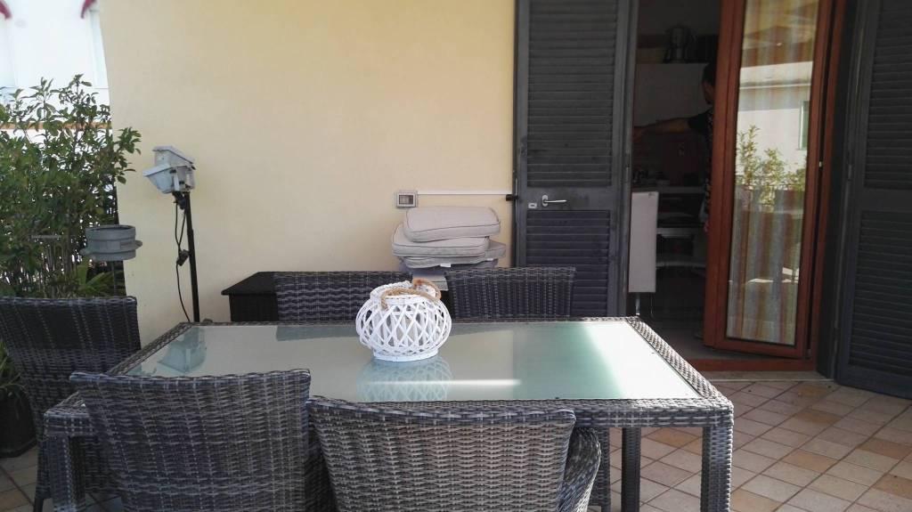 Appartamento in ottime condizioni parzialmente arredato in affitto Rif. 7900006