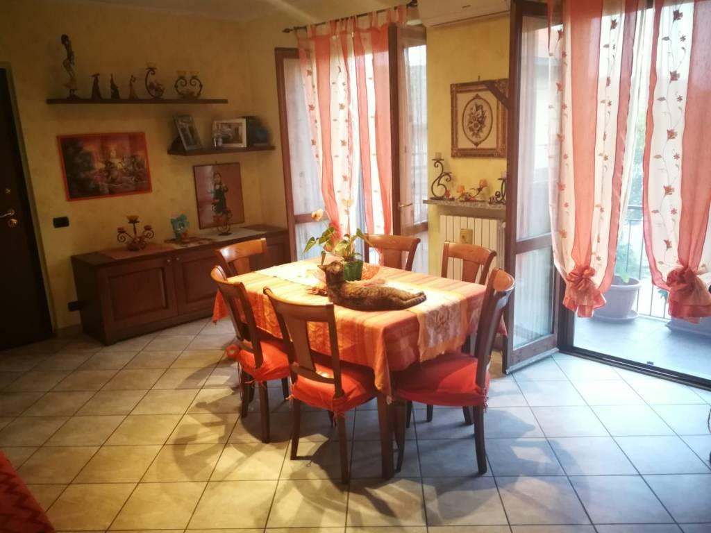 Appartamento in buone condizioni in vendita Rif. 7899471