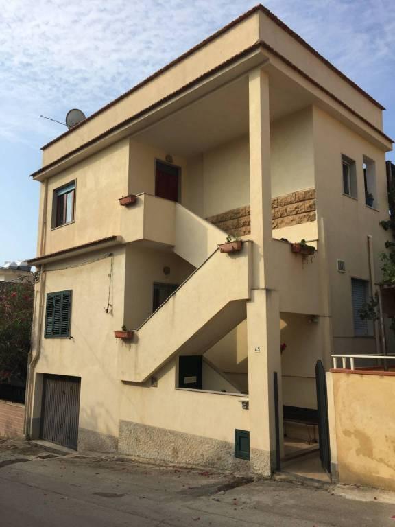 Appartamento in Vendita a Scicli Centro: 3 locali, 145 mq