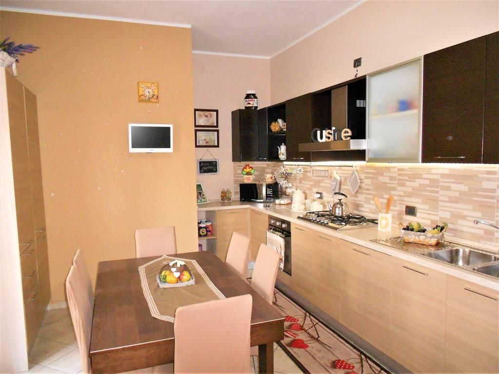 Appartamento in ottime condizioni in vendita Rif. 7900198