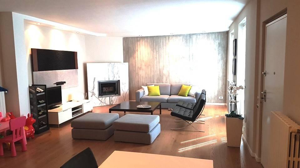 Appartamento in ottime condizioni parzialmente arredato in vendita Rif. 7900768