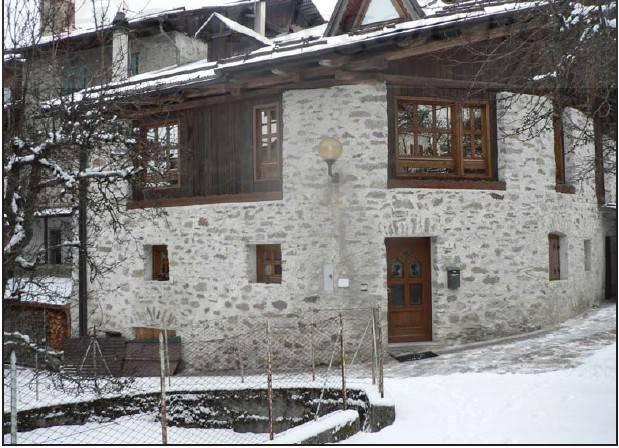 Appartamento in buone condizioni arredato in vendita Rif. 7901561