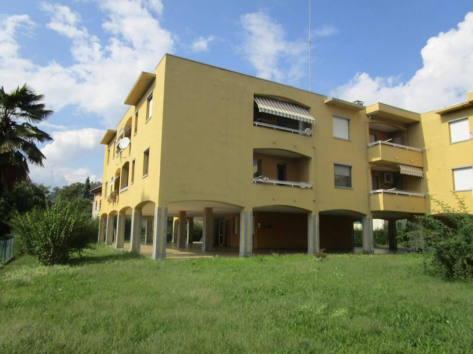 Appartamento in buone condizioni arredato in vendita Rif. 7909810