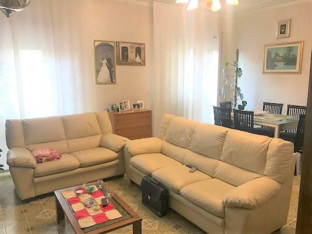 Appartamento in buone condizioni in vendita Rif. 7911345