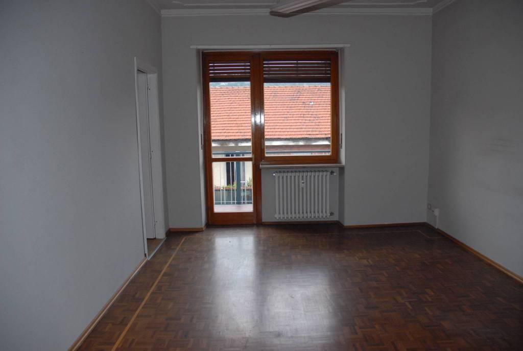 Appartamento in buone condizioni in affitto Rif. 7909650