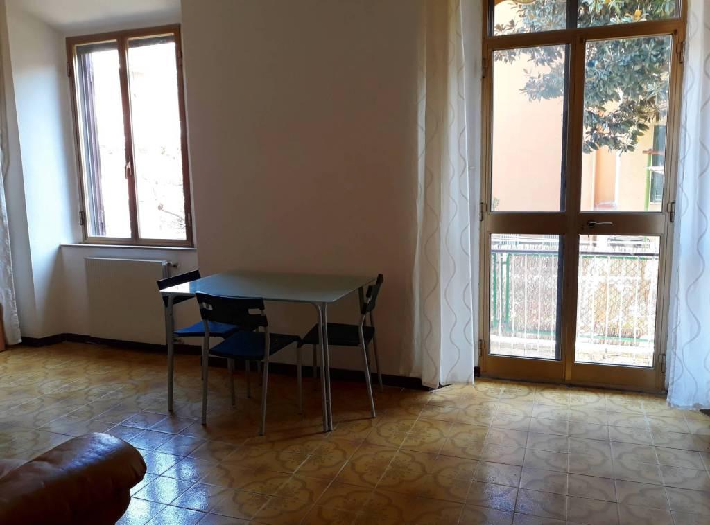 Appartamento in buone condizioni arredato in affitto Rif. 7936216