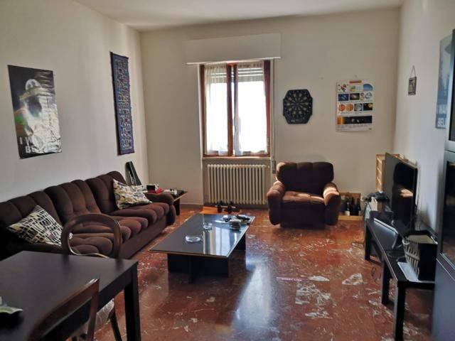 Appartamento con due camere, vicino al centro