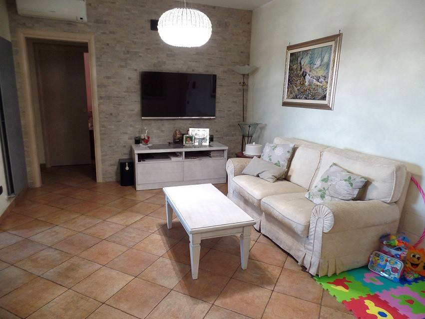 Appartamento in ottime condizioni in vendita Rif. 7907427