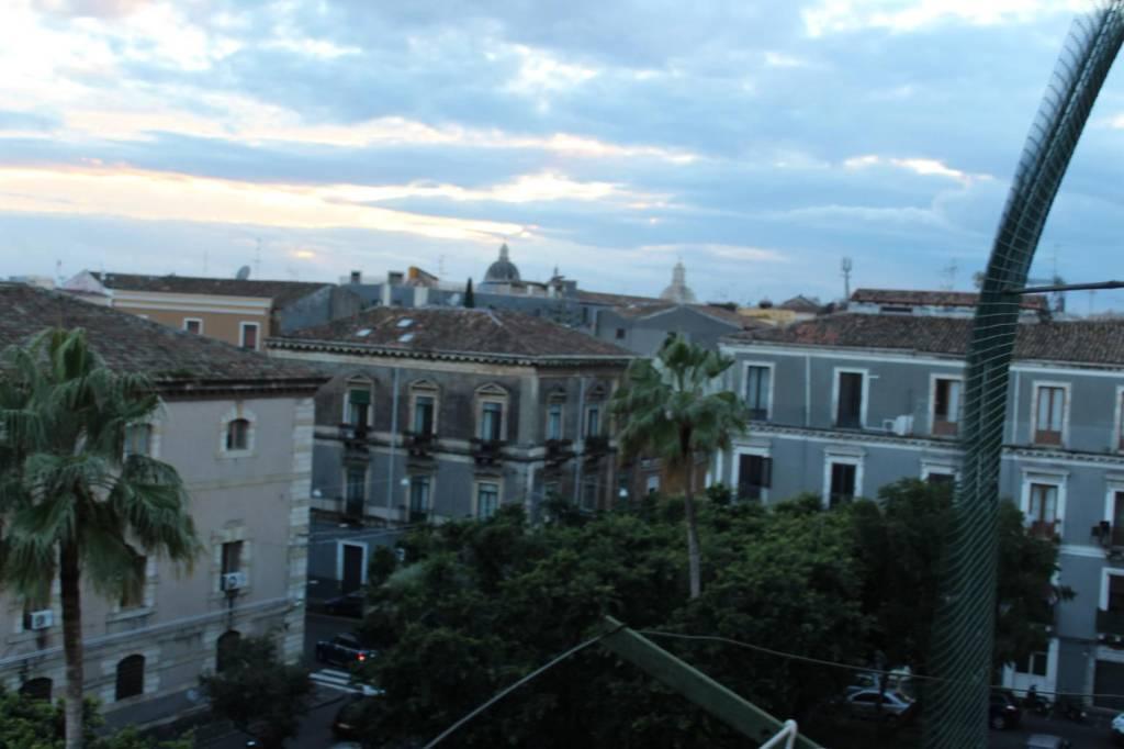 Appartamento in vendita a Catania, 4 locali, prezzo € 108.000   CambioCasa.it