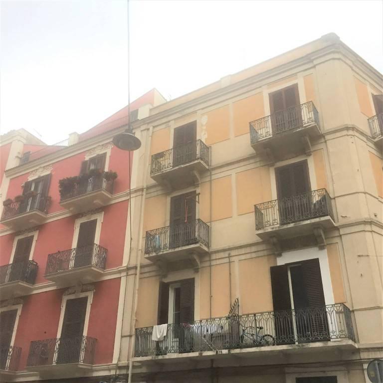 Appartamento in buone condizioni arredato in affitto Rif. 7912054