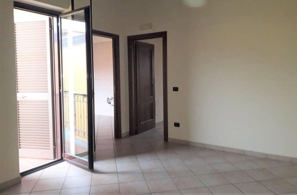 Appartamento in ottime condizioni in affitto Rif. 7912348
