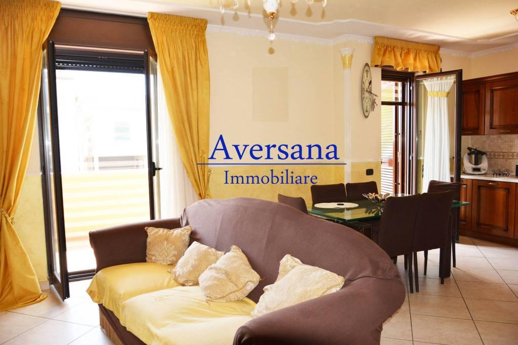Appartamento in ottime condizioni in vendita Rif. 7911625