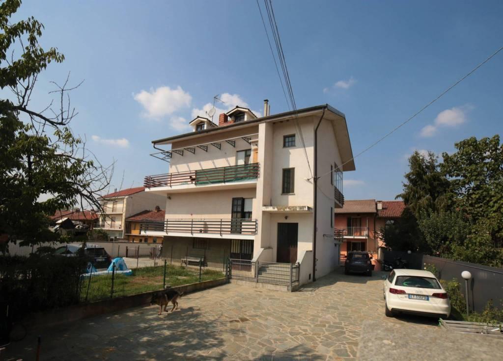 Appartamento in ottime condizioni in vendita Rif. 7911885