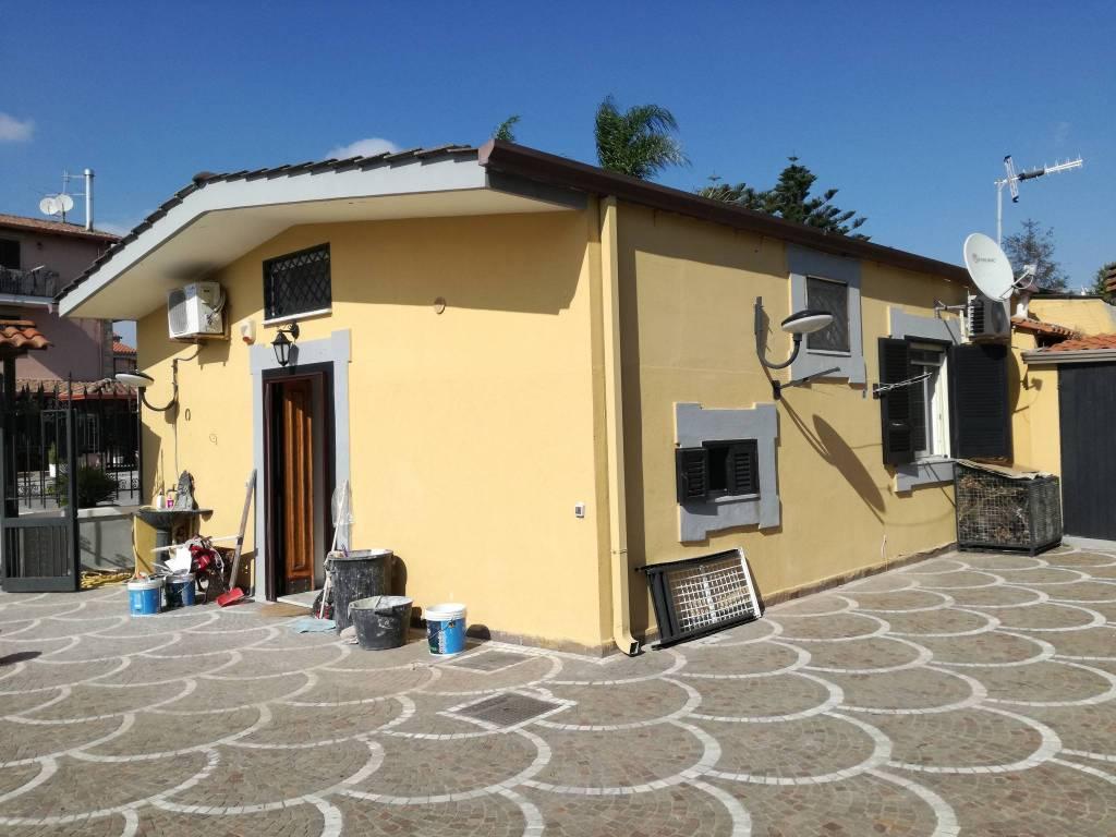 Appartamento in buone condizioni in affitto Rif. 7907391