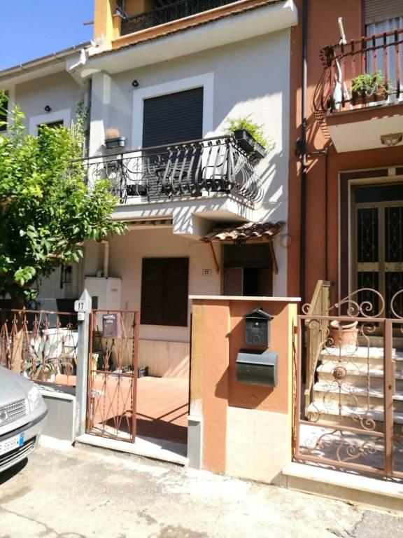 Appartamento in buone condizioni arredato in affitto Rif. 7907280
