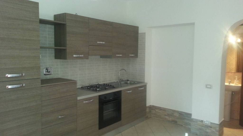 Appartamento in buone condizioni parzialmente arredato in affitto Rif. 7908442