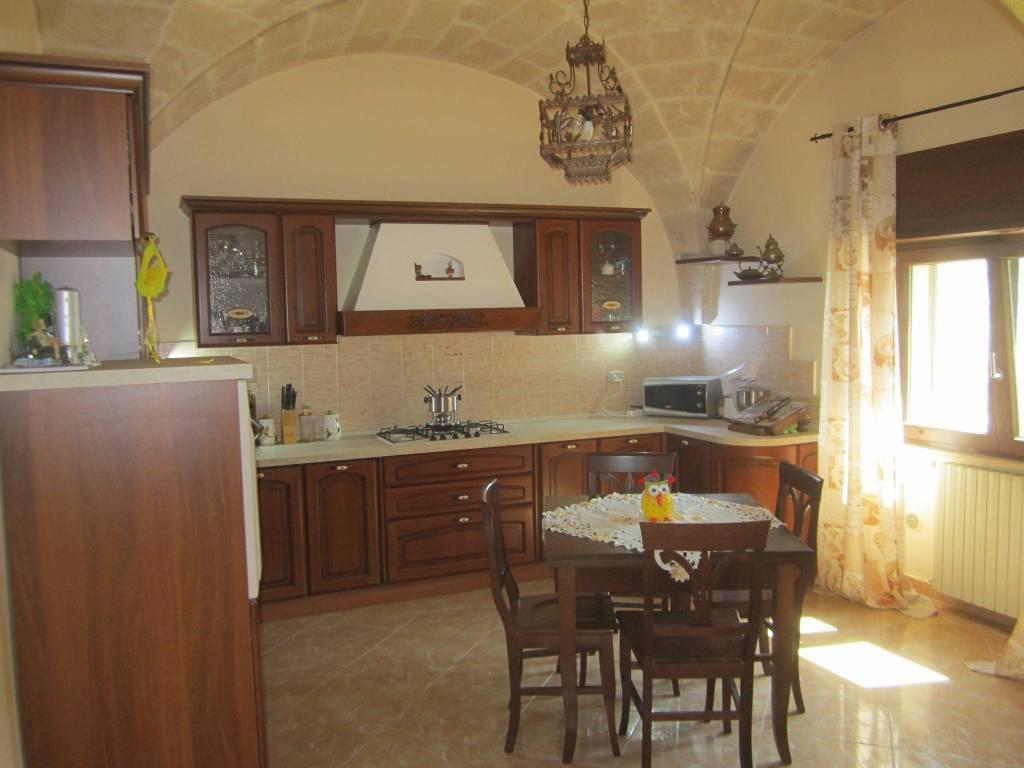 Appartamento in ottime condizioni in vendita Rif. 7907164